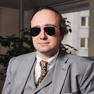 Хакер Алексей Смирнов — о том, кто взламывает аккаунты простых людей и как этого избежать — Что нового на The Village