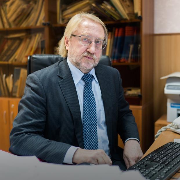 «800 тысяч россиян не знают, что больны ВИЧ»: Вадим Покровский — о новой эпидемии
