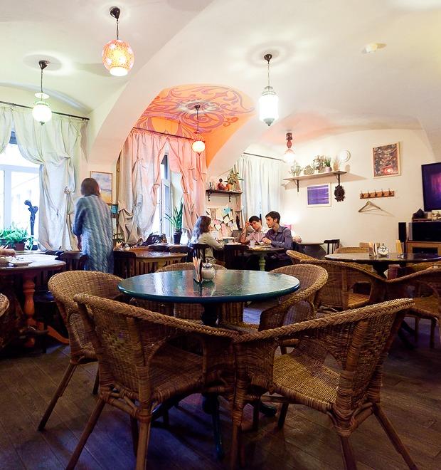 Все свои: Вегетарианское кафе наКазанской улице — Рестораны на The Village