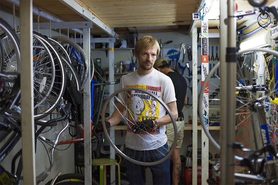 «Велодело»: Как заработать на ремонте советских велосипедов — Свое место на The Village