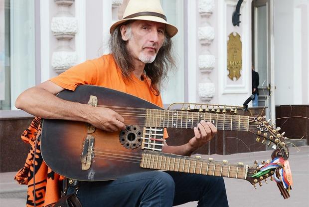 Почему в Москве борются с уличными музыкантами