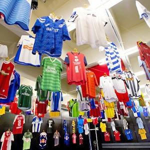 Люди в городе: Погоня за майкой — владельцы коллекций футболок игроков — Евро-2012 на The Village