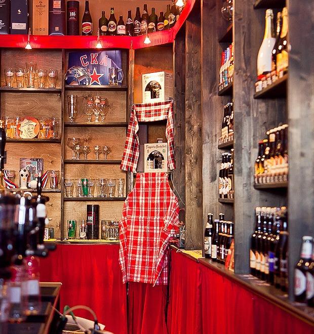 Все свои: Пивбар и магазин на «Пионерской» — Рестораны translation missing: ru.desktop.posts.titles.on The Village