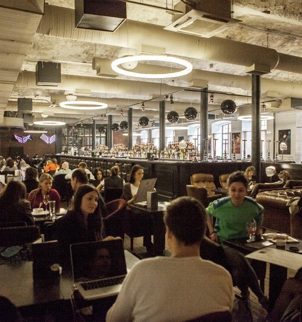 Новое место: Кафе, бар и магазин WT4