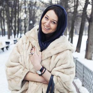 Внешний вид: Лиза Фактор, журналист — Внешний вид на The Village