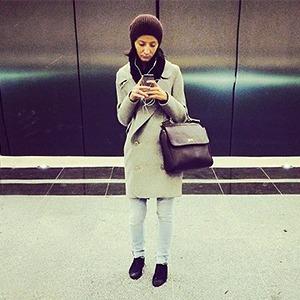 Люди, фотографирующие себя на Instagram на станции «Жулебино»
