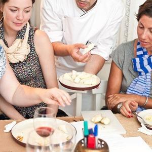 Время есть: репортаж с кулинарного мастер–класса в «Кухне в деталях» — Кухня на The Village