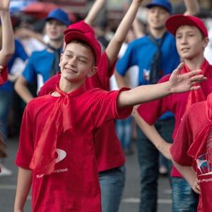 Как отметили День города в Петербурге — Фоторепортаж на The Village