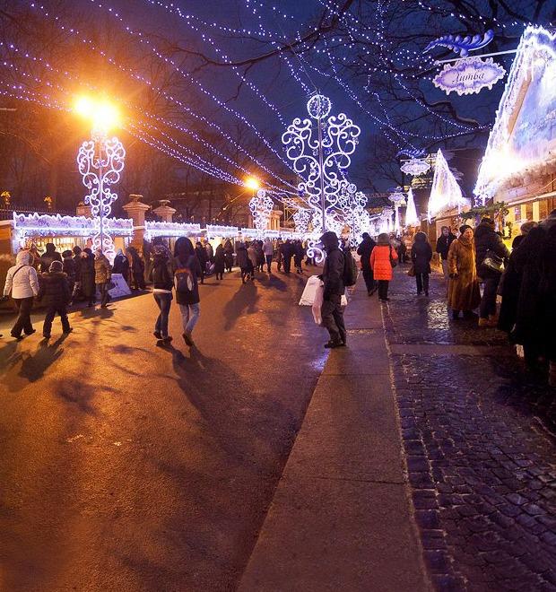 Люди в городе: Продавцы рождественской ярмарки на Островского — Галереи на The Village