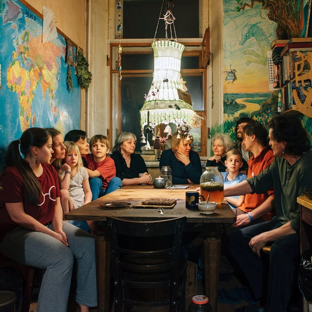 Дом на Среднем: Социальный эксперимент в одной квартире — Истории на The Village