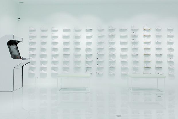 Sneaker White на Покровке