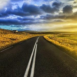К Евро-2012 выпустили русско-английский путеводитель для автомобилистов — Евро-2012 на The Village