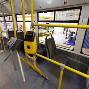 Турникеты из автобусов начнут убирать в 2012 году — Ситуация на The Village