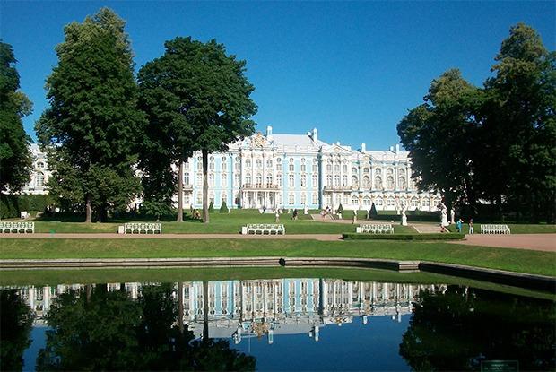 Чем пахнут некрополь, Петропавловская крепость и Екатерининский парк   — Эксперимент на The Village