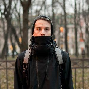Внешний вид: Олег Акбаров, байер магазина Mint и дизайнер Circle of Unity — Внешний вид на The Village