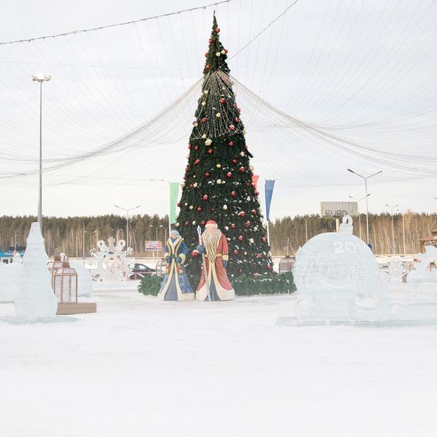 Что думают о новогодних елках Екатеринбурга архитекторы и дизайнеры — Гид The Village на The Village