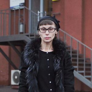 Внешний вид: Ирина Меглинская, галерист и преподаватель — Внешний вид на The Village