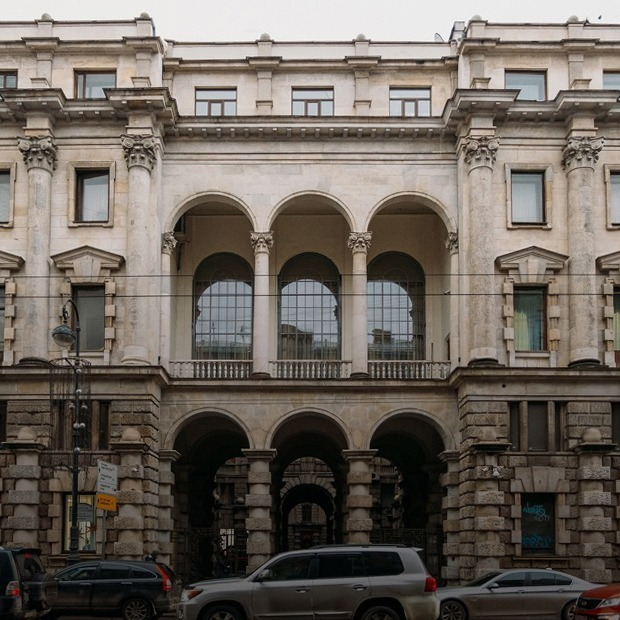 «Я живу в доме эмира Бухарского» (Петербург) — Где ты живёшь на The Village