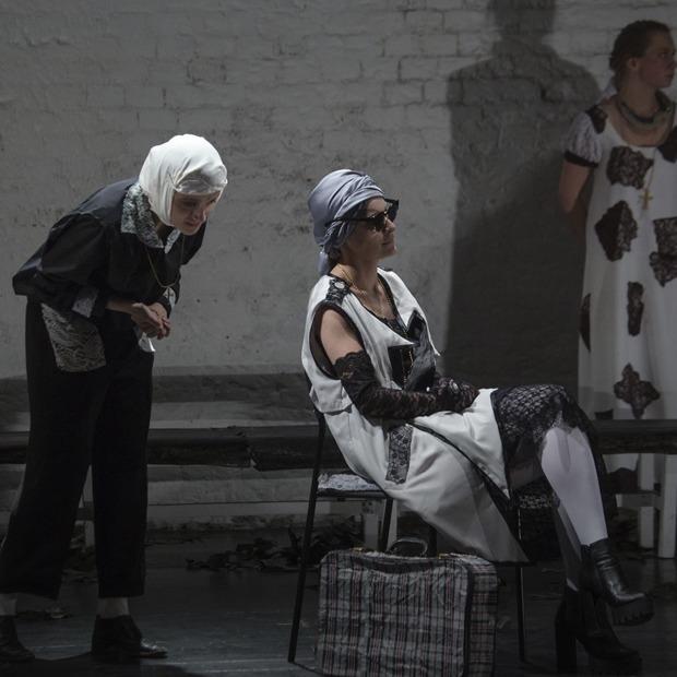 Make Jazz Not War, пленэр на ступенях Ельцин Центра и спектакль по Шаламову — События недели на The Village