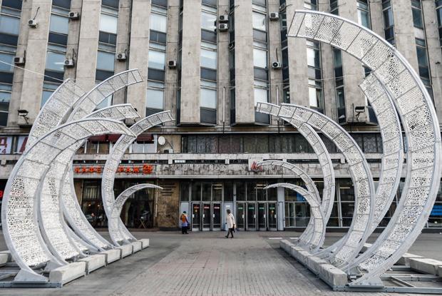 Эксперты и чиновники — о странных арт-объектах на улицах Москвы — Ситуация на The Village