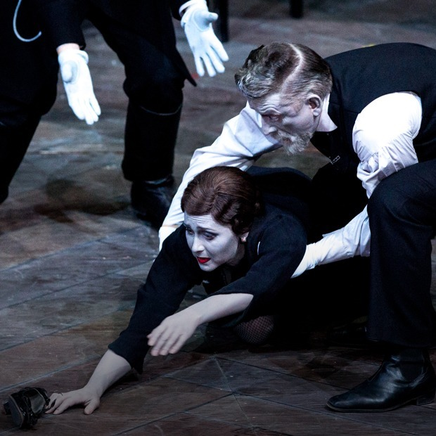 Что смотреть на «Золотой маске»: Серебренников, Нетребко и танец насекомых — Театр на The Village