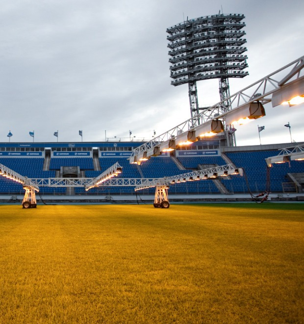 По газону не ходить: Работа агронома на футбольном стадионе  — Как всё устроено на The Village