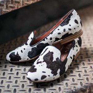 На полках: Магазин обуви ShoeShoe — Магазины на The Village