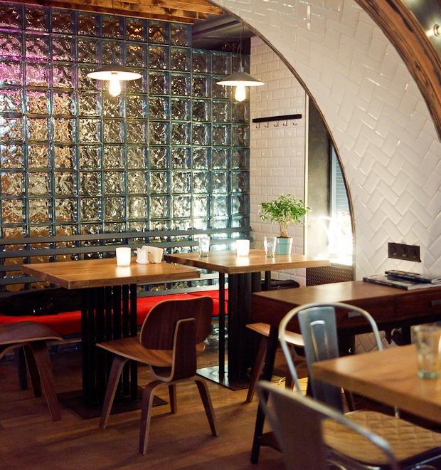 Новое место (Петербург): Ресторан-бар «Путанеска» — Новое место на Look At Me