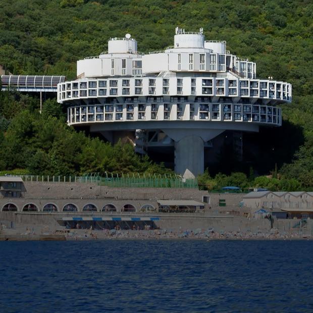 На воды: 8 монументальных российских санаториев — Гид The Village на The Village