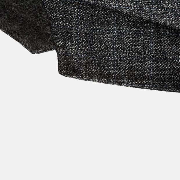 Как ухаживать за шерстяными костюмами и где их хранить в тёплое время года