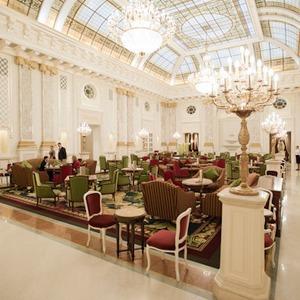 В Киеве открыли еще один пятизвездочный отель — Евро-2012 на The Village