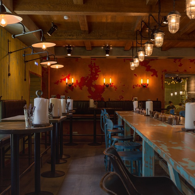 Мясной ресторан Brisket BBQ  — Место на The Village