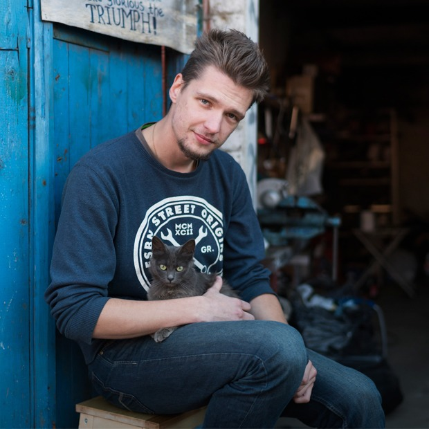 Молодые рабочие — о Путине, артхаусе и вечеринках в «ЭМА» — Люди в городе на The Village