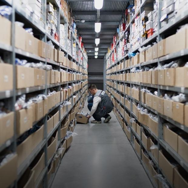Как собирают заказы интернет-магазинов — Производственный процесс на The Village