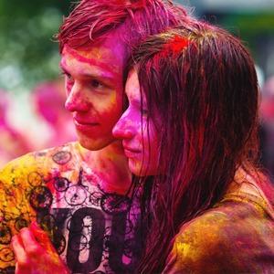 Фестиваль Холи, исторический велопробег, «Ламбада-маркет» и ещё 15 событий