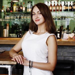 Июнь: Винный бар Brix — Лучшие сотрудники на The Village