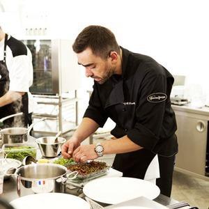 Omnivore Food Festival: Андрей Рывкин готовит карри из петуха на монастырском квасе — Рецепты шефов на The Village