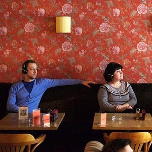 Фоторепортаж: «Сайлент бар» в кафе «Цурцум» — Фоторепортаж на The Village
