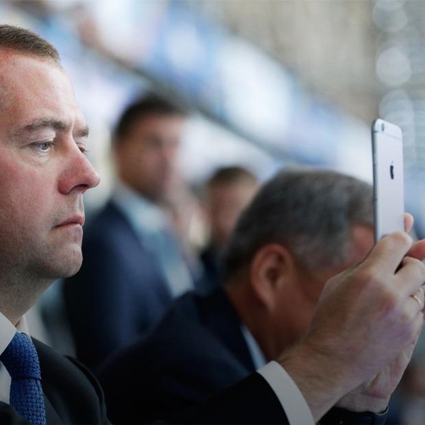 «Индекс айфона»: На сколько уменьшились доходы россиян