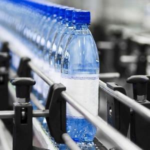 Как страшно пить: Чем отличается вода из-под крана, в бутылках и кулерах