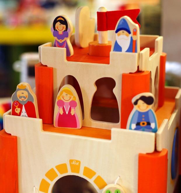 Новое место: Магазин игрушек «Понарошку» — Магазины на The Village