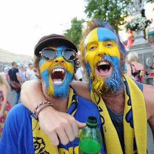 По домам: Шведы прощаются с Киевом — Евро-2012 на The Village