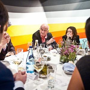 Разговоры на академическом ужине — Ужины в баре Strelka на The Village