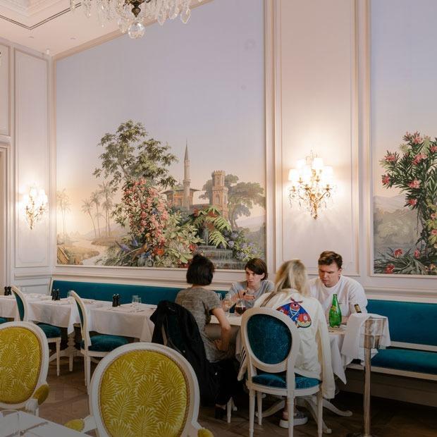 Ресторан Ladurée на Никольской — Место на The Village