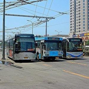 Новые выделенные полосы для общественного транспорта появятся до конца года — Ситуация на The Village