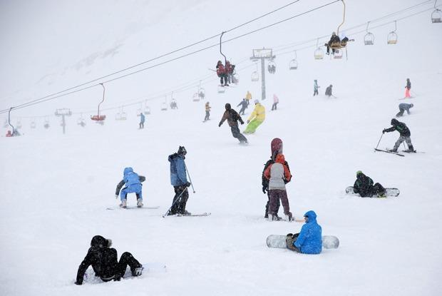 Где и за сколько можно покататься на лыжах в России — Финансы на The Village
