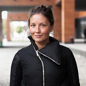 Внешний вид: Олеся Бондаренко, PR-директорJuly 16 — Внешний вид на The Village
