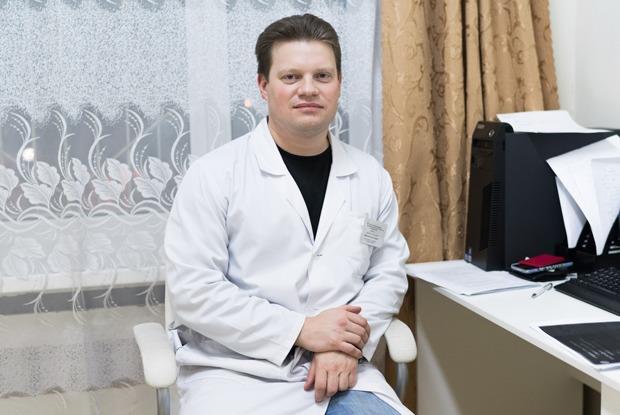 Суицидолог Илья Смирнов — о самоубийствах в России и внимании к близким  — Что нового на The Village