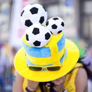Жёлто-голубые: Самые яркие фанаты сборных Украины и Швеции — Евро-2012 на The Village