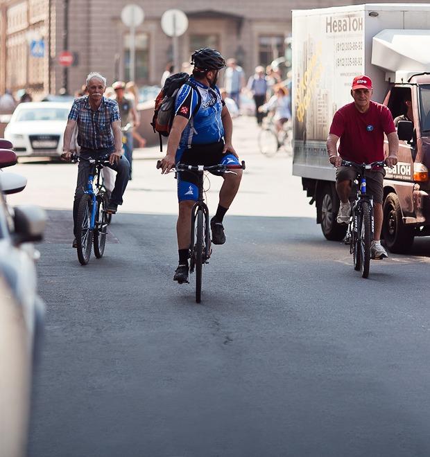 Где наши мигалки: Как петербургские депутаты пересели на велосипеды — Транспорт на The Village